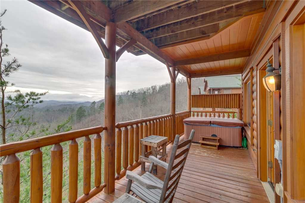 Photo of a Pigeon Forge Cabin named Pleasant View Ridge - This is the forty-first photo in the set.