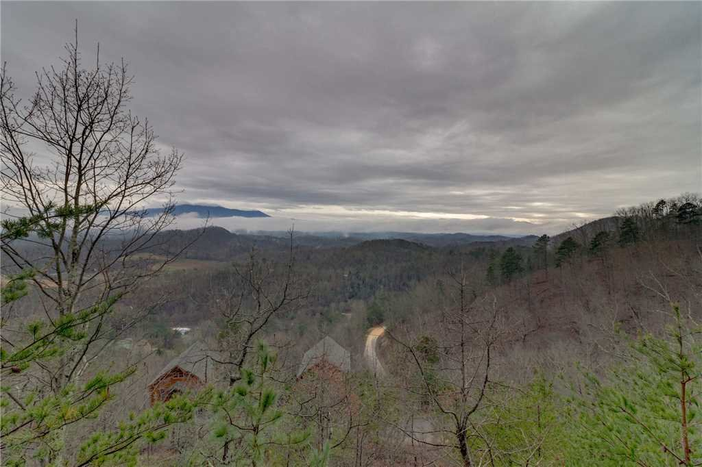 Photo of a Pigeon Forge Cabin named Pleasant View Ridge - This is the forty-fourth photo in the set.