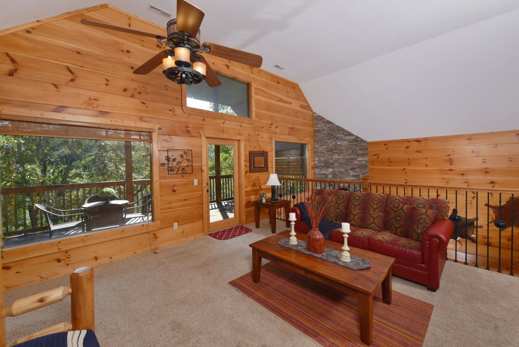 Photo of a Pigeon Forge Cabin named Majestic Forest - This is the thirty-second photo in the set.