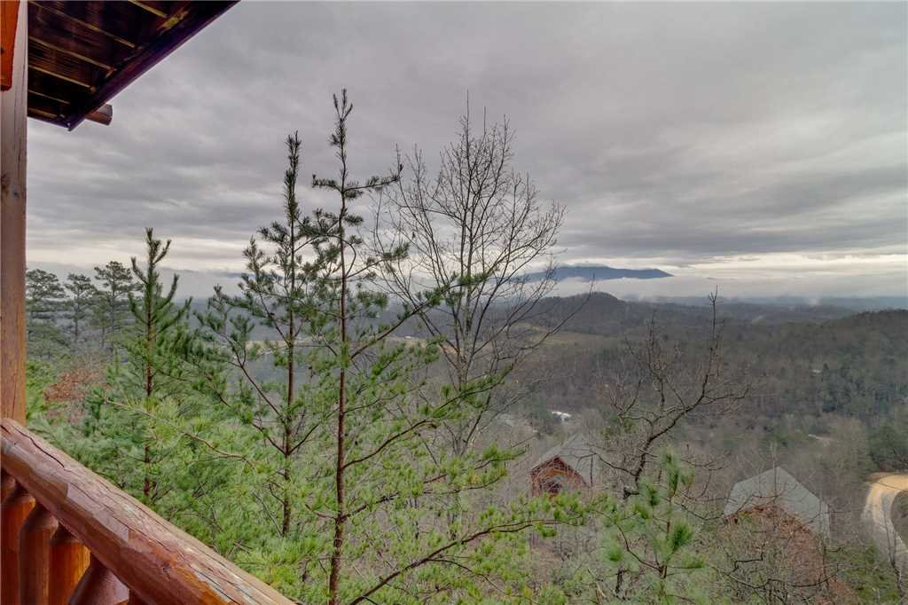 Photo of a Pigeon Forge Cabin named Pleasant View Ridge - This is the forty-fifth photo in the set.