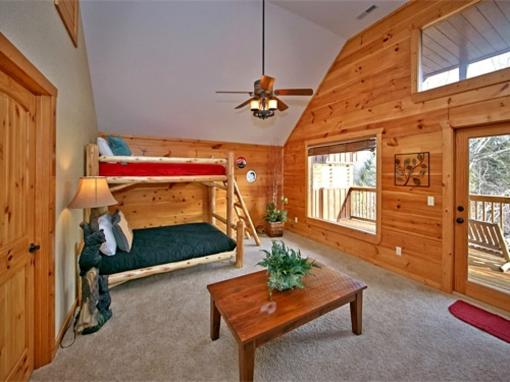 Photo of a Pigeon Forge Cabin named Majestic Forest - This is the thirty-fourth photo in the set.