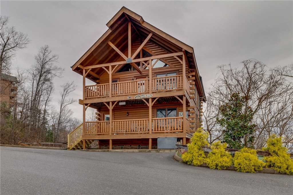 Photo of a Pigeon Forge Cabin named Bearly Believable - This is the fifty-ninth photo in the set.