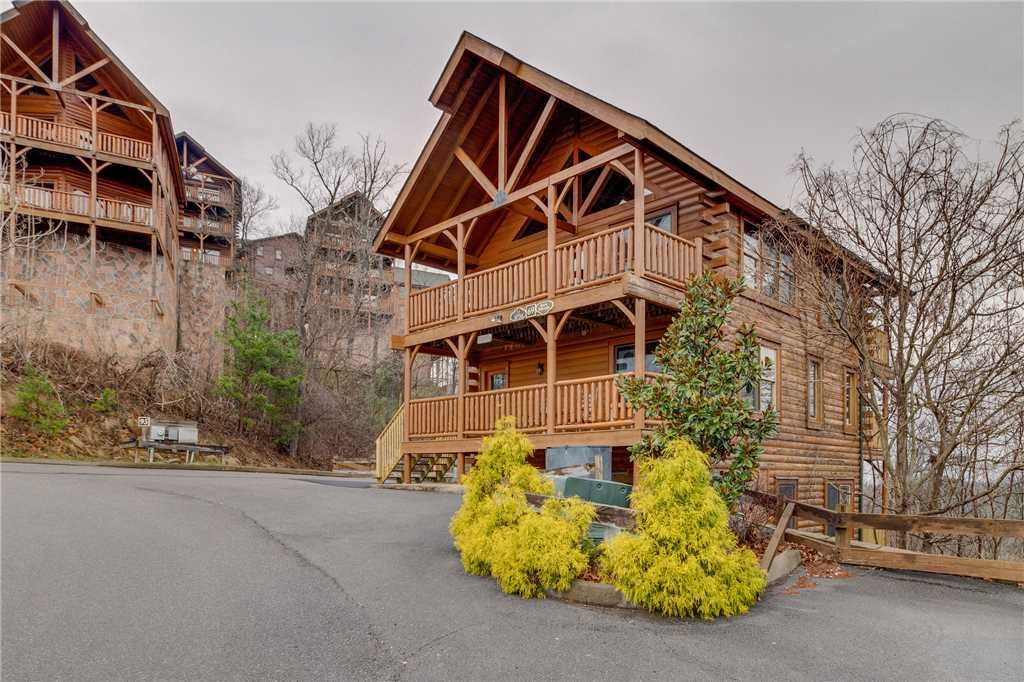 Photo of a Pigeon Forge Cabin named Bearly Believable - This is the sixtieth photo in the set.