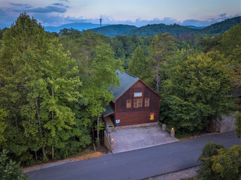 Photo of a Pigeon Forge Cabin named Majestic Forest - This is the fifty-first photo in the set.