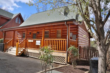 Wild Adventures a one bedroom romantic cabin that captures the imagination