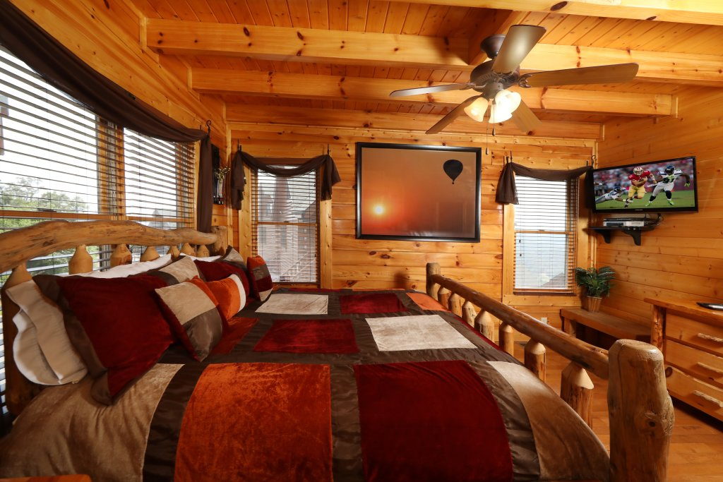 Photo of a Pigeon Forge Cabin named Up, Up & Away - This is the twelfth photo in the set.