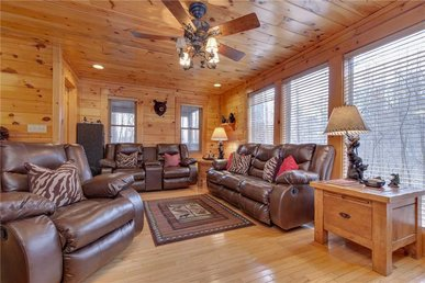 Bear Paws, 2 Bedrooms, Grill, Fireplace, Jetted Tub, Hot Tub, Sleeps 4