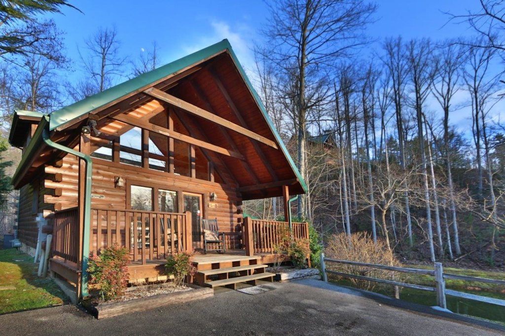 Photo of a Gatlinburg Cabin named Hugs N Kisses - This is the ninth photo in the set.