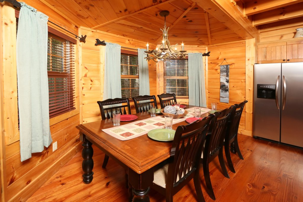 Photo of a Pigeon Forge Cabin named Southern Hospitality - This is the nineteenth photo in the set.