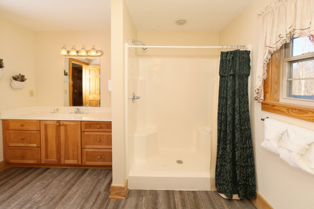 Photo of a Pigeon Forge Condo named Poplar Point Condo Unit 12d - This is the fifteenth photo in the set.
