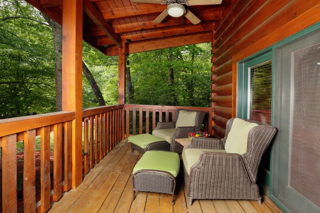 Photo of a Sevierville Cabin named Southern Hospitality - This is the third photo in the set.