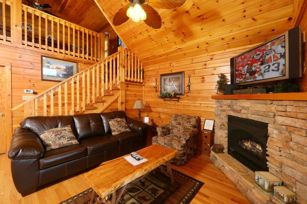 Photo of a Gatlinburg Cabin named Hugs N Kisses - This is the eleventh photo in the set.