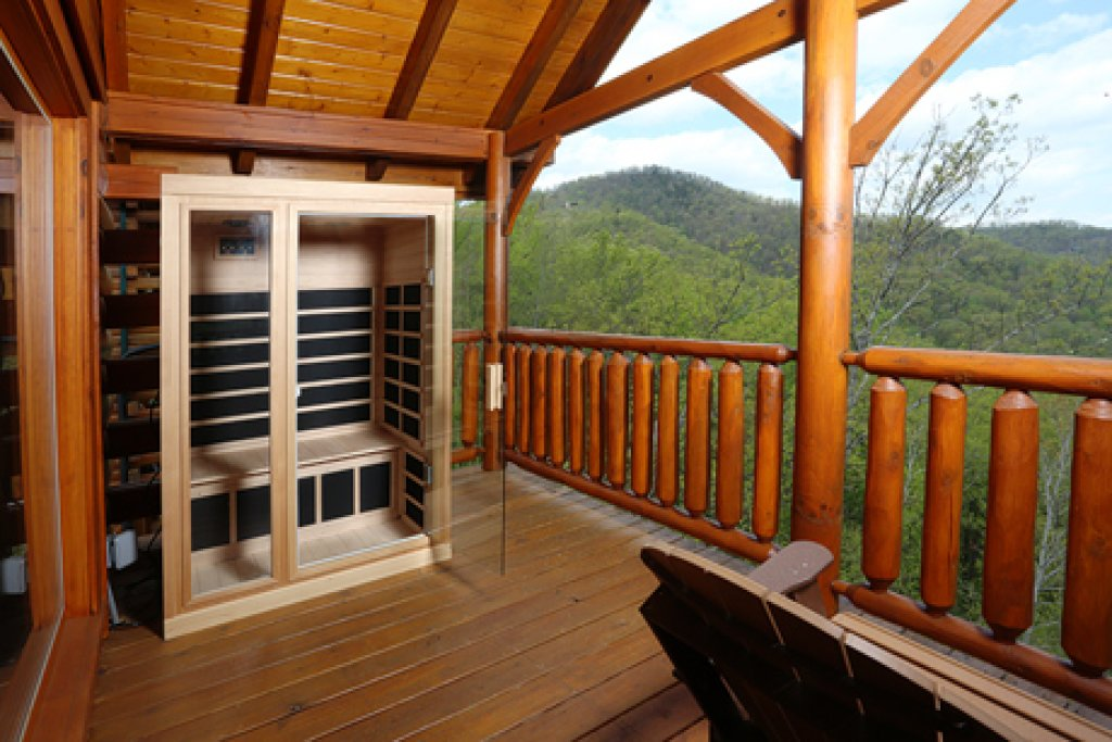 Photo of a Sevierville Cabin named Mountain Dreams - This is the fifth photo in the set.