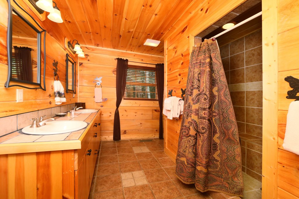 Photo of a Sevierville Cabin named Southern Hospitality - This is the eleventh photo in the set.