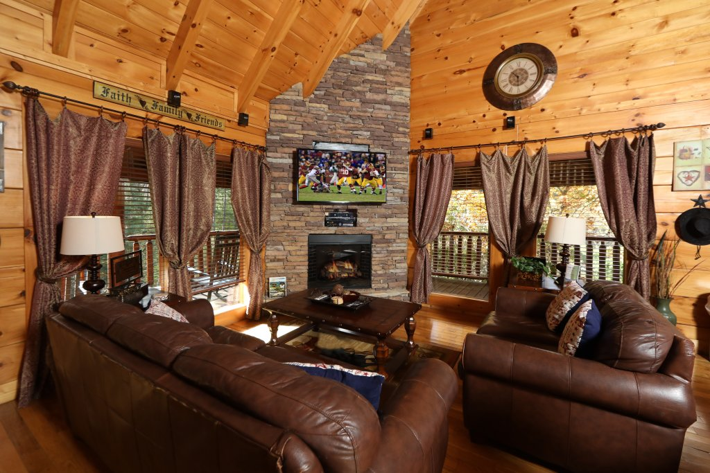 Photo of a Pigeon Forge Cabin named Amazing Grace - This is the sixth photo in the set.