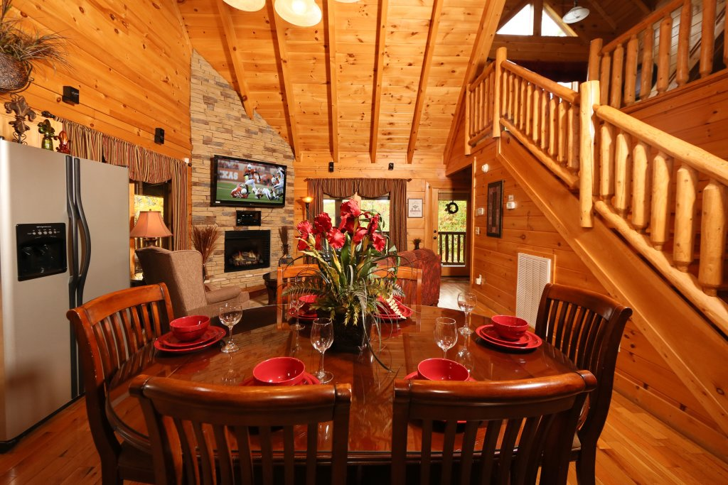 Photo of a Sevierville Cabin named Moonlight And Memories - This is the twenty-fourth photo in the set.