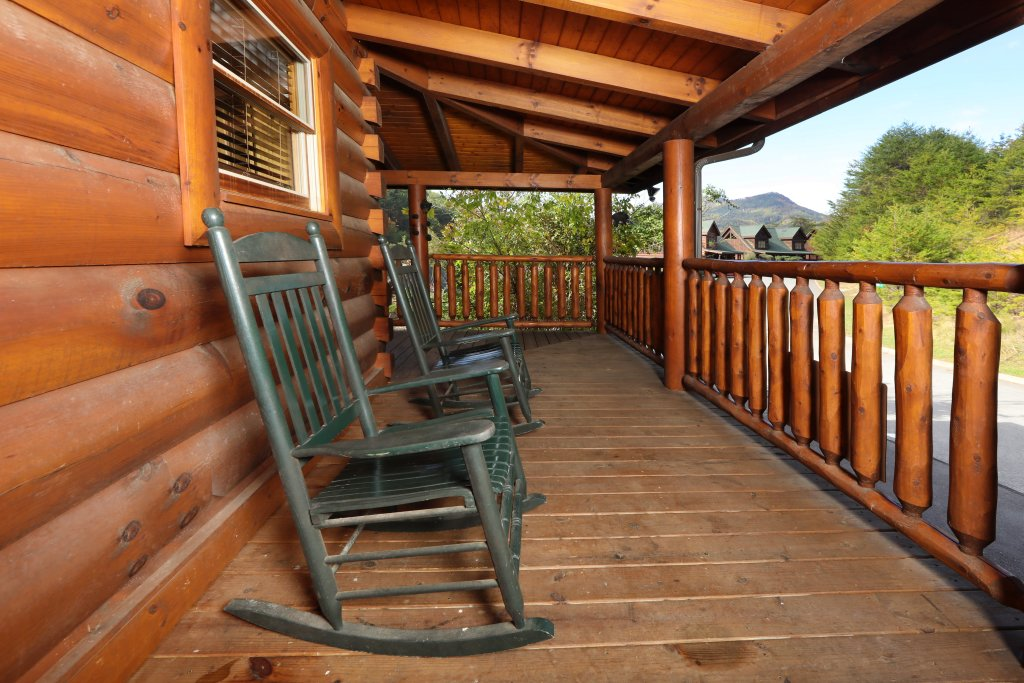 Photo of a Pigeon Forge Cabin named Amazing Grace - This is the forty-second photo in the set.