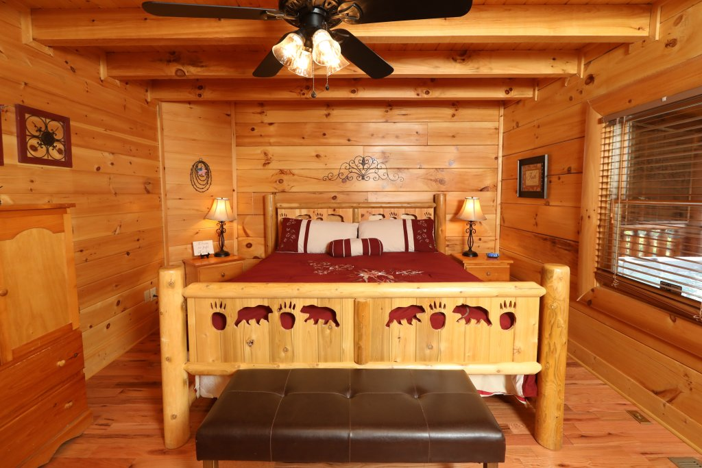 Photo of a Sevierville Cabin named Amazing Grace - This is the fifteenth photo in the set.
