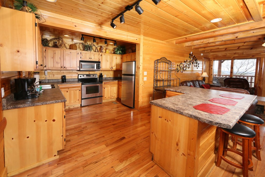 Photo of a Sevierville Cabin named Rising Eagle Lodge - This is the twenty-first photo in the set.