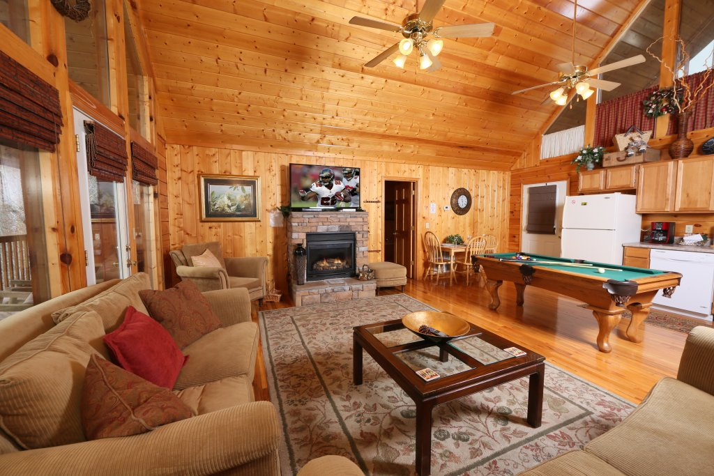 Photo of a Pigeon Forge Cabin named Drift Away - This is the eighth photo in the set.