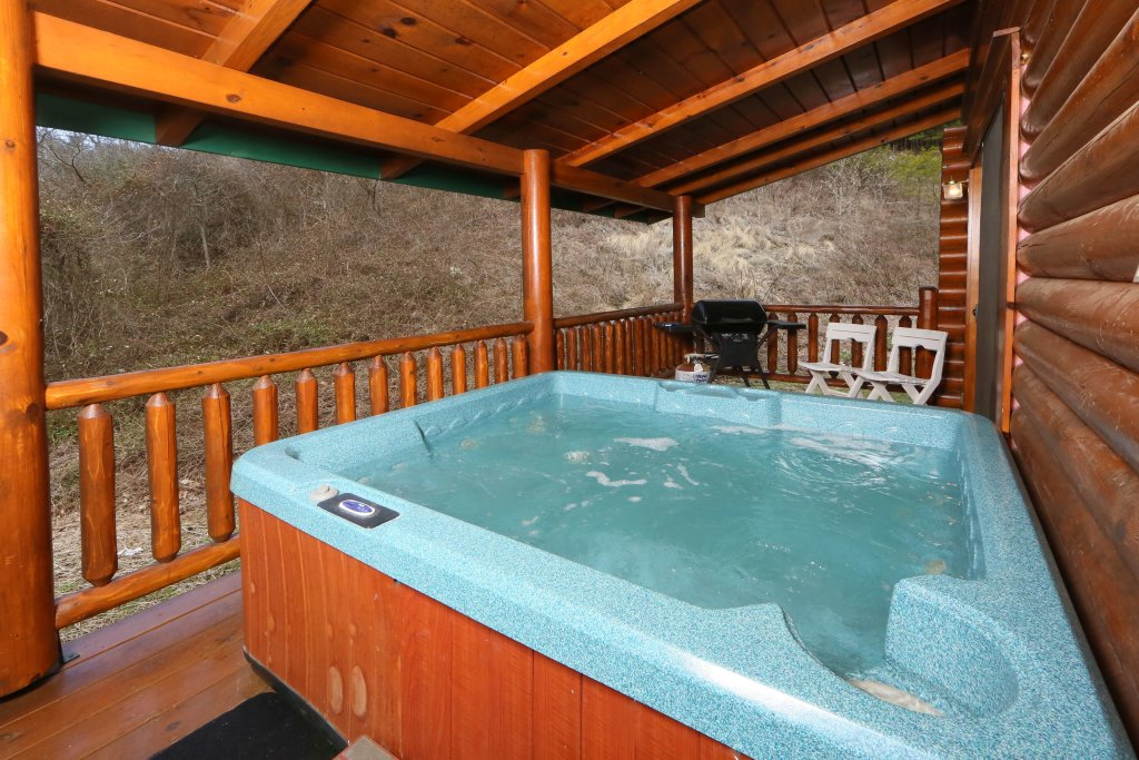 Photo of a Sevierville Cabin named Smoky Cascades - This is the second photo in the set.