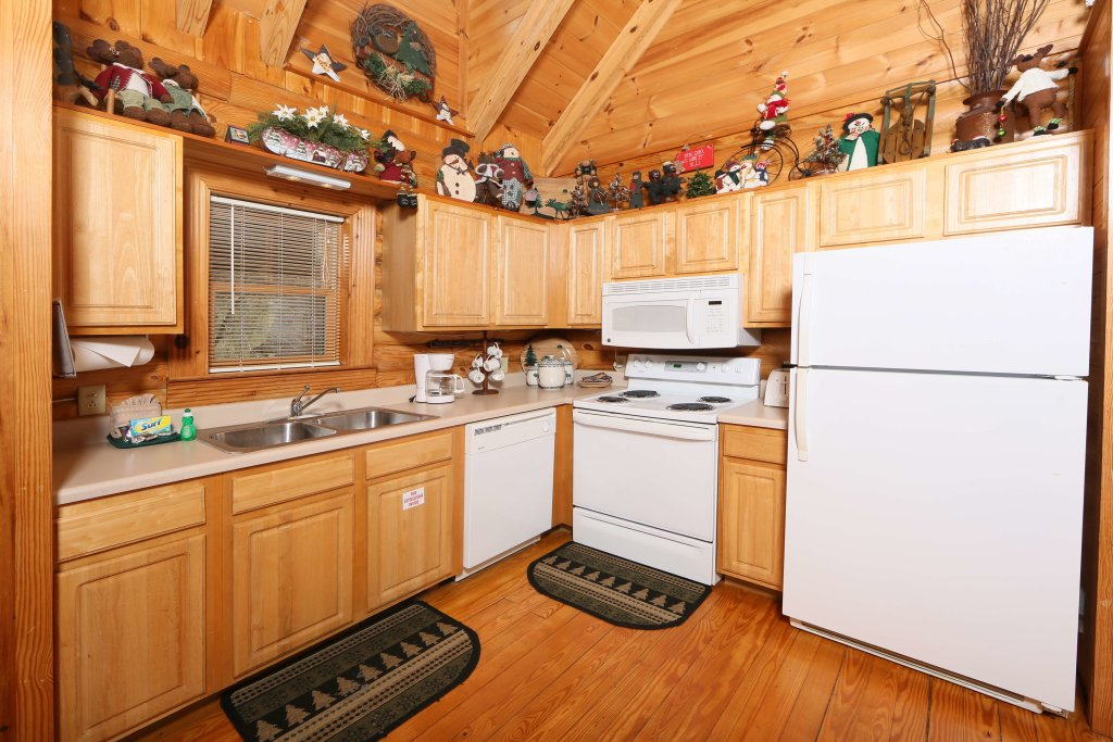 Photo of a Sevierville Cabin named Smoky Cascades - This is the seventh photo in the set.