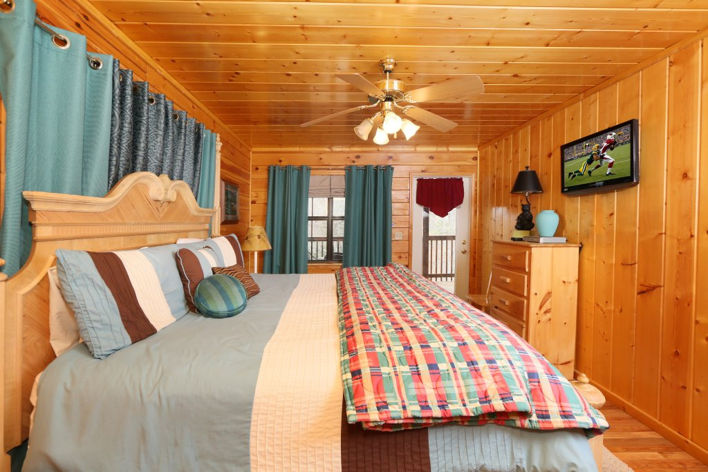 Photo of a Pigeon Forge Cabin named Drift Away - This is the eighteenth photo in the set.