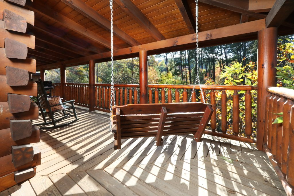 Photo of a Sevierville Cabin named Amazing Grace - This is the forty-seventh photo in the set.