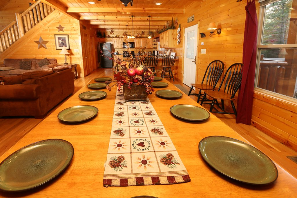 Photo of a Sevierville Cabin named Mountain Shadow Lodge - This is the sixteenth photo in the set.