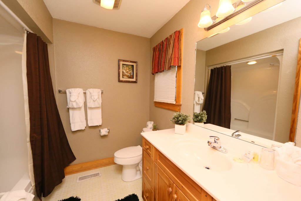 Photo of a Pigeon Forge Cabin named Pinnacle View 7c - This is the seventeenth photo in the set.