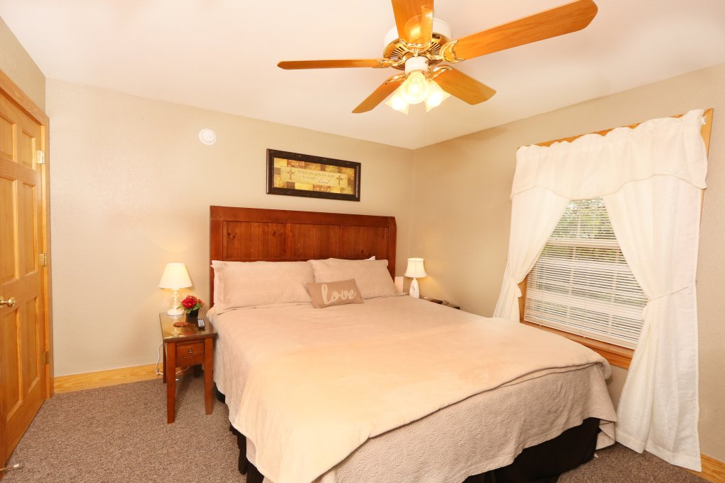 Photo of a Pigeon Forge Cabin named Pinnacle View 7c - This is the sixteenth photo in the set.