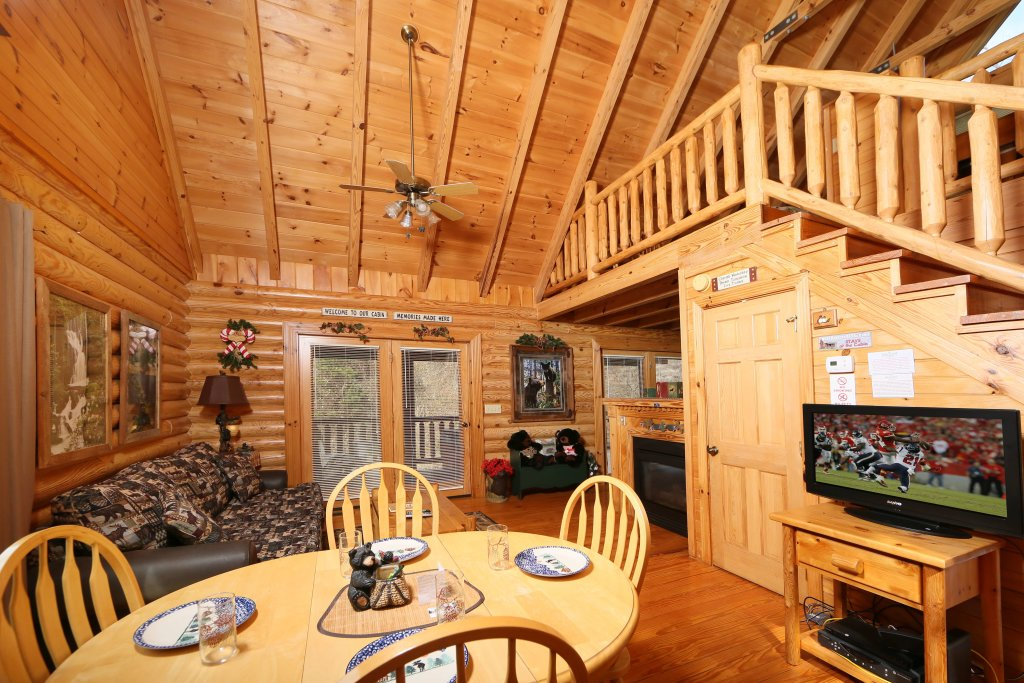 Photo of a Sevierville Cabin named Smoky Cascades - This is the eighth photo in the set.