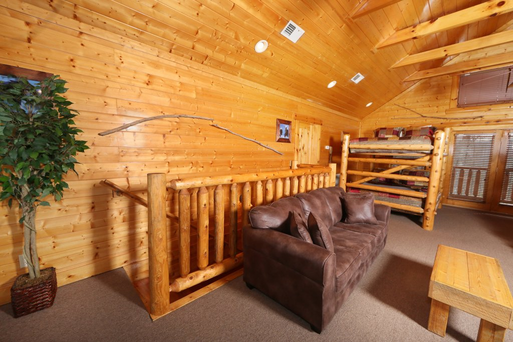 Photo of a Sevierville Cabin named Rising Eagle Lodge - This is the thirty-second photo in the set.