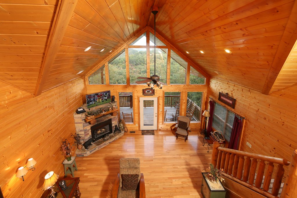 Photo of a Sevierville Cabin named Mountain Shadow Lodge - This is the twelfth photo in the set.