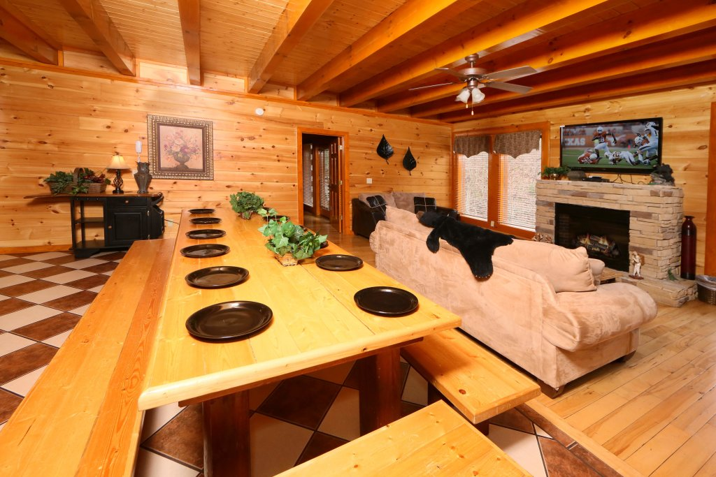 Photo of a Sevierville Cabin named Smoky Mountain Cinema - This is the sixteenth photo in the set.