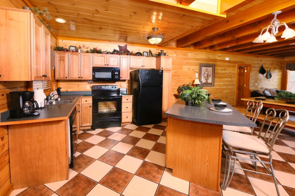 Photo of a Sevierville Cabin named Smoky Mountain Cinema - This is the fifteenth photo in the set.