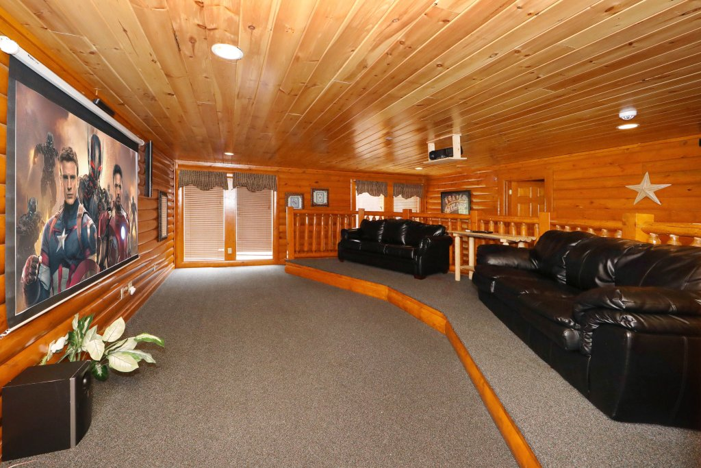 Photo of a Sevierville Cabin named Smoky Mountain Cinema - This is the eighteenth photo in the set.