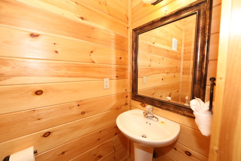 Photo of a Sevierville Cabin named Mayberry - This is the thirty-second photo in the set.