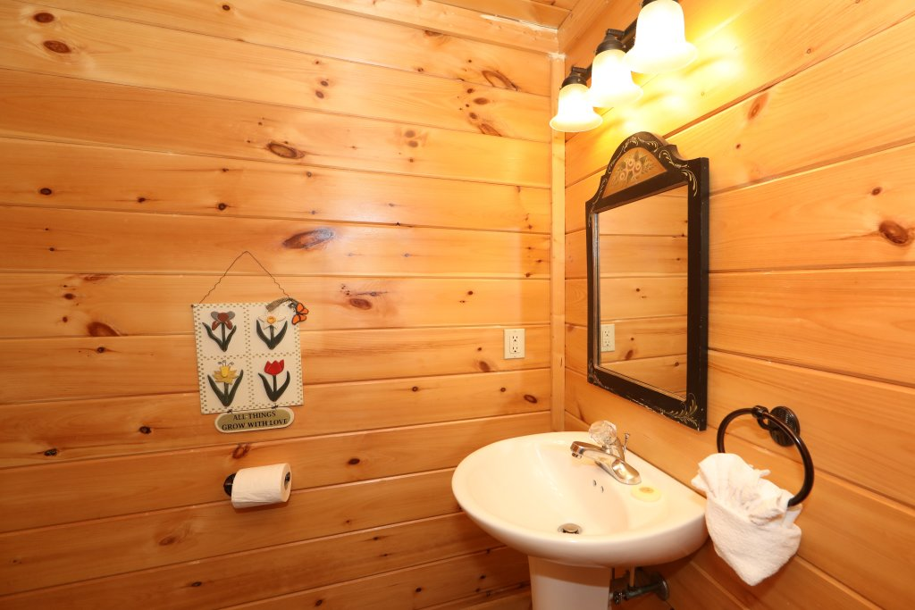 Photo of a Sevierville Cabin named Mayberry - This is the thirty-first photo in the set.
