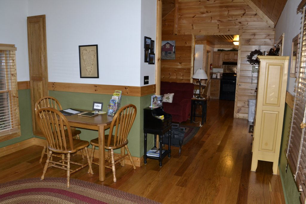 Photo of a Sevierville Cabin named Parkside Haven - This is the thirtieth photo in the set.