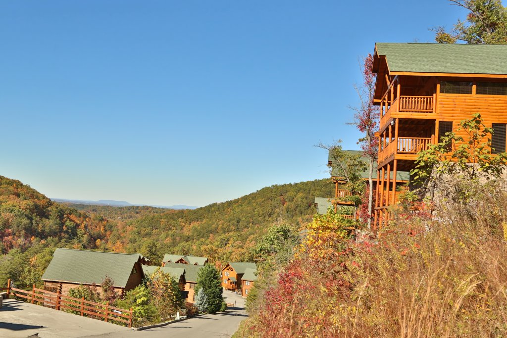 Photo of a Sevierville Cabin named Smoky Mountain Cinema - This is the forty-first photo in the set.