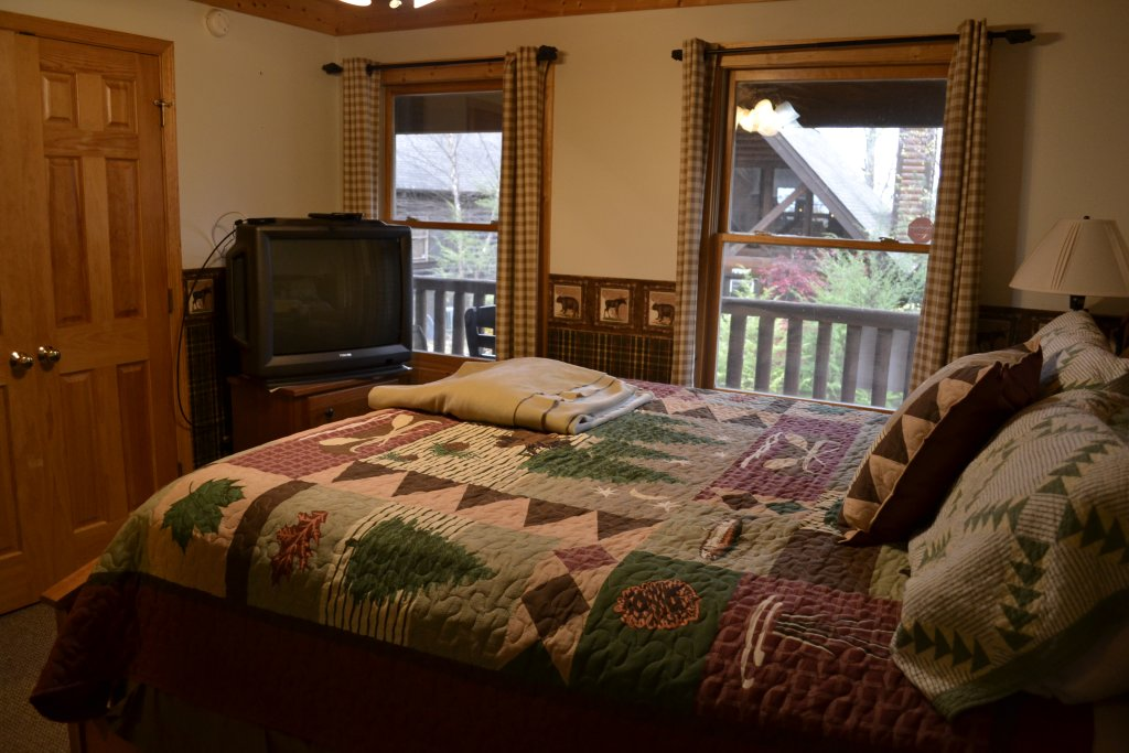 Photo of a Sevierville Cabin named Parkside Haven - This is the twenty-ninth photo in the set.