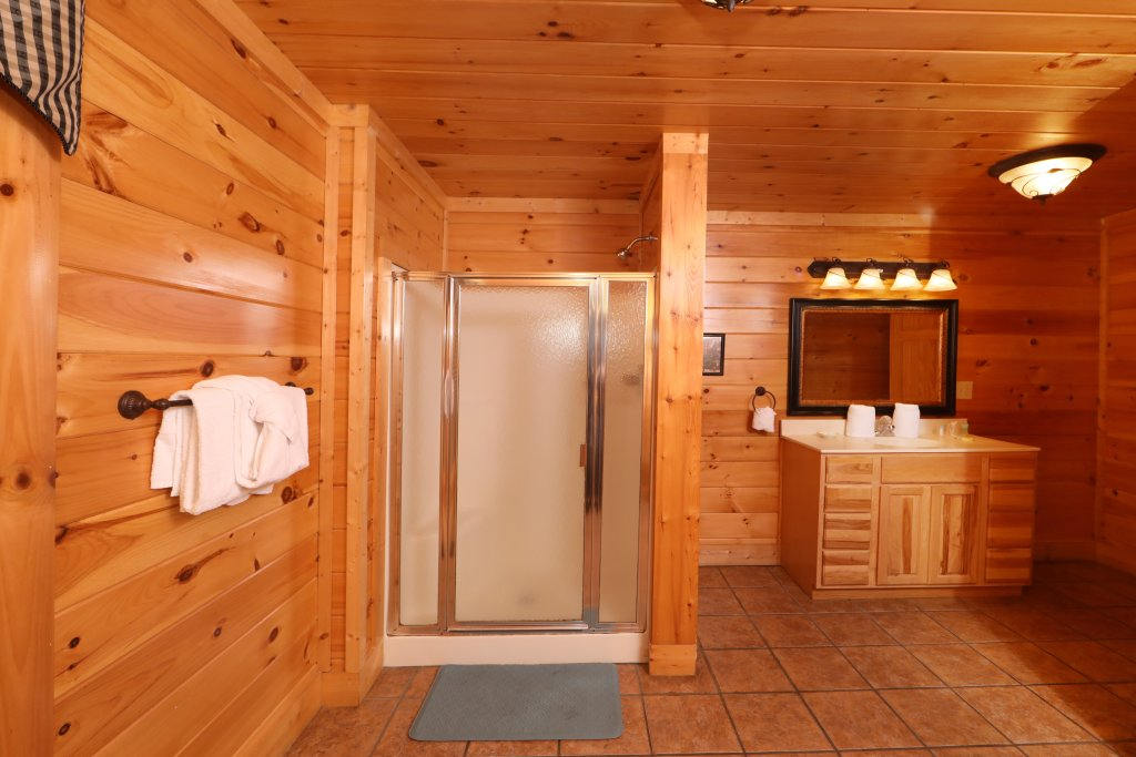 Photo of a Pigeon Forge Cabin named Mayberry - This is the sixteenth photo in the set.