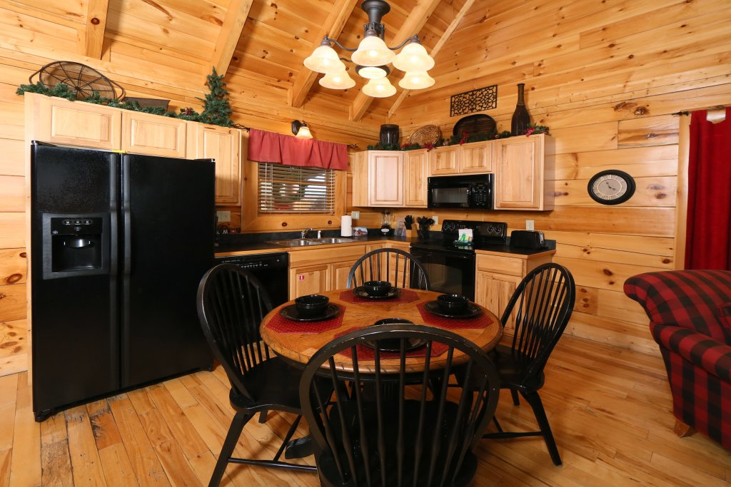 Photo of a Pigeon Forge Cabin named Arden Hill - This is the twenty-eighth photo in the set.