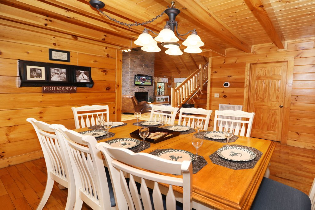 Photo of a Pigeon Forge Cabin named Mayberry - This is the thirty-third photo in the set.