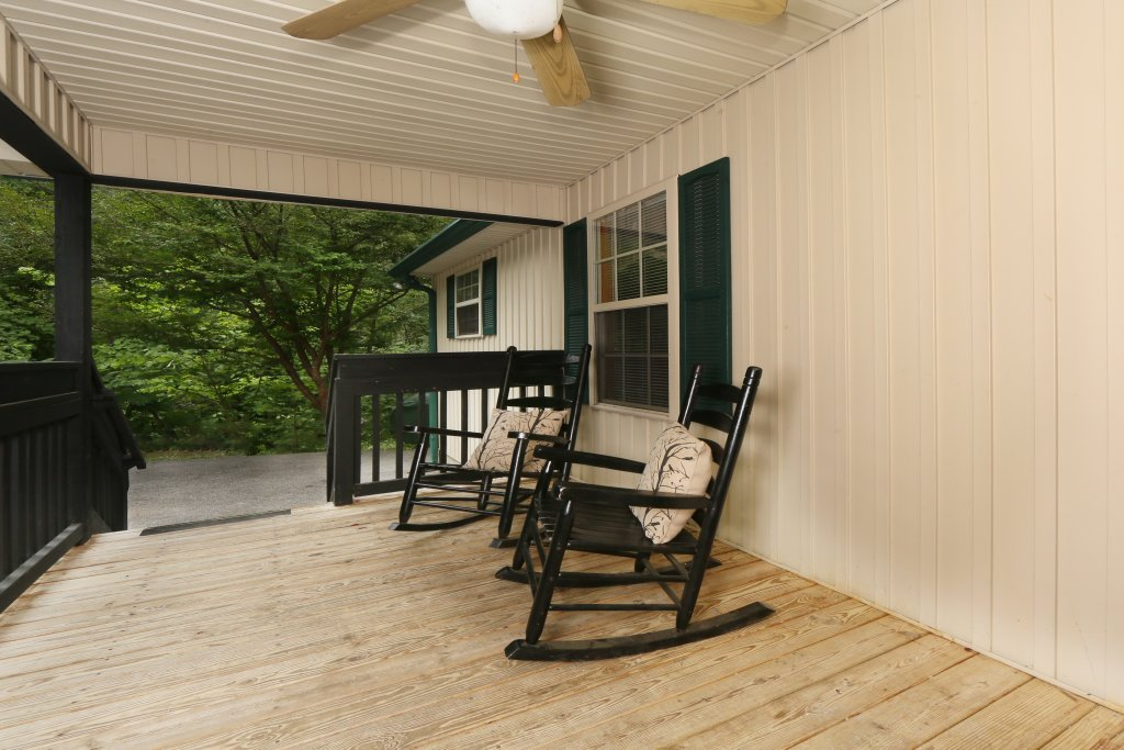 Photo of a Pigeon Forge Cabin named Holly Grove (#1) - This is the fifth photo in the set.