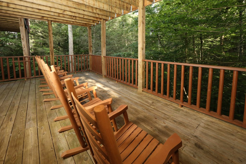 Photo of a Sevierville Cabin named Majestic Manor - This is the fifteenth photo in the set.