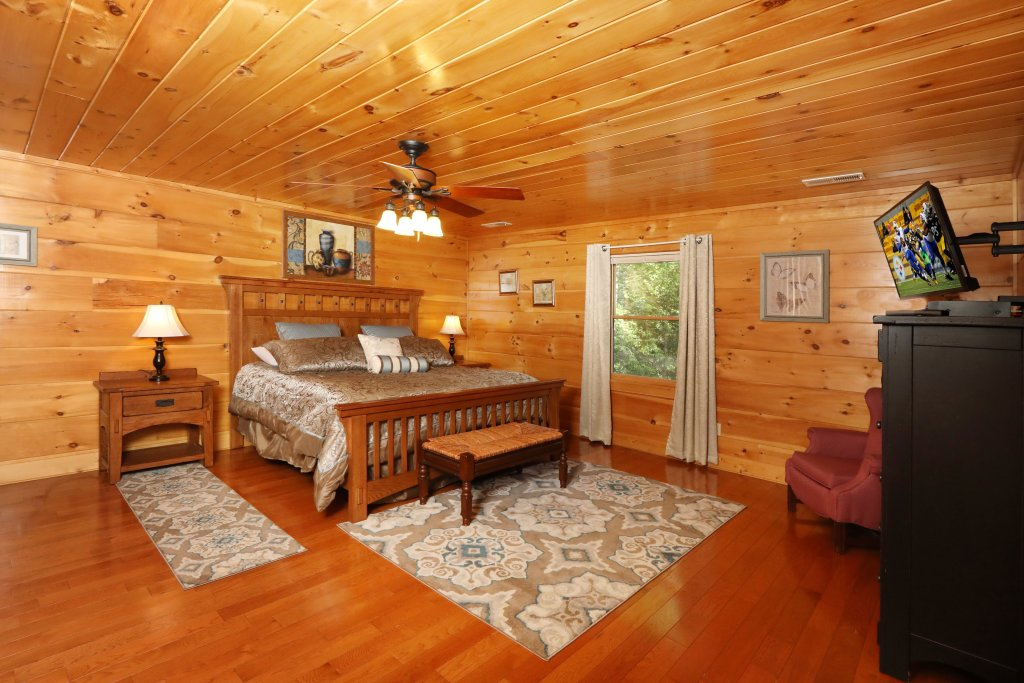 Photo of a Sevierville Cabin named Majestic Manor - This is the twenty-first photo in the set.