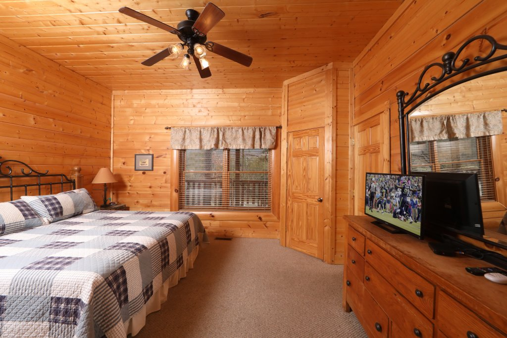Photo of a Pigeon Forge Cabin named Echoes Of Eden - This is the twentieth photo in the set.
