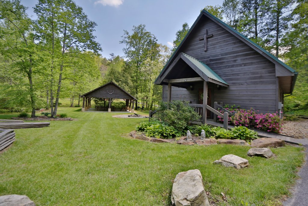 Photo of a Sevierville Cabin named Majestic Manor - This is the fifty-eighth photo in the set.